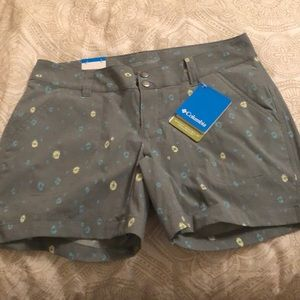 NWT Columbia women's shorts . Omni shield
